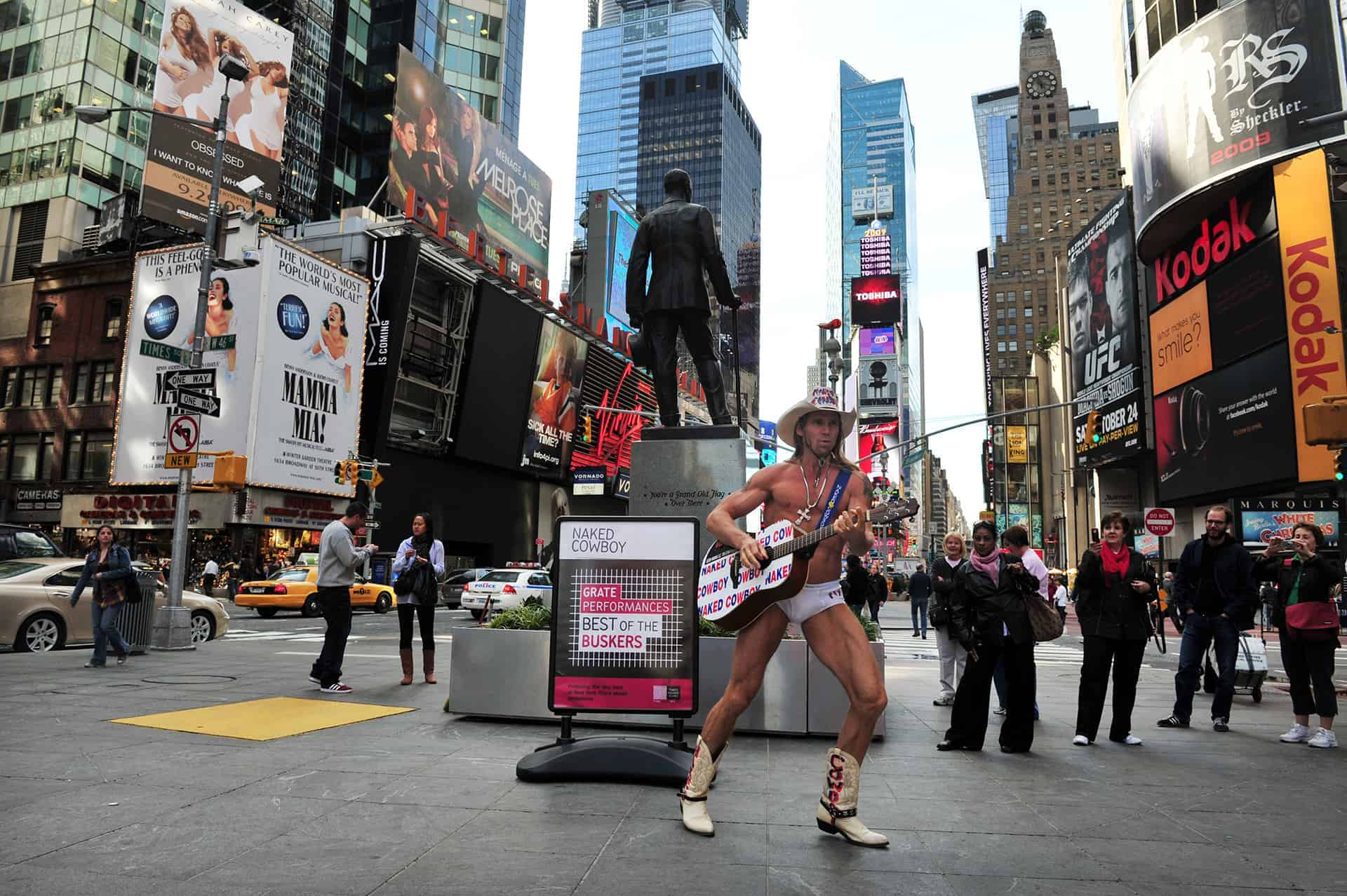 naked cow boy new york